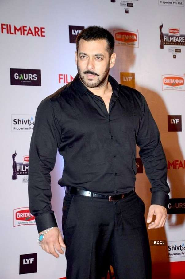 Salman signs exclusive deal with Amazon