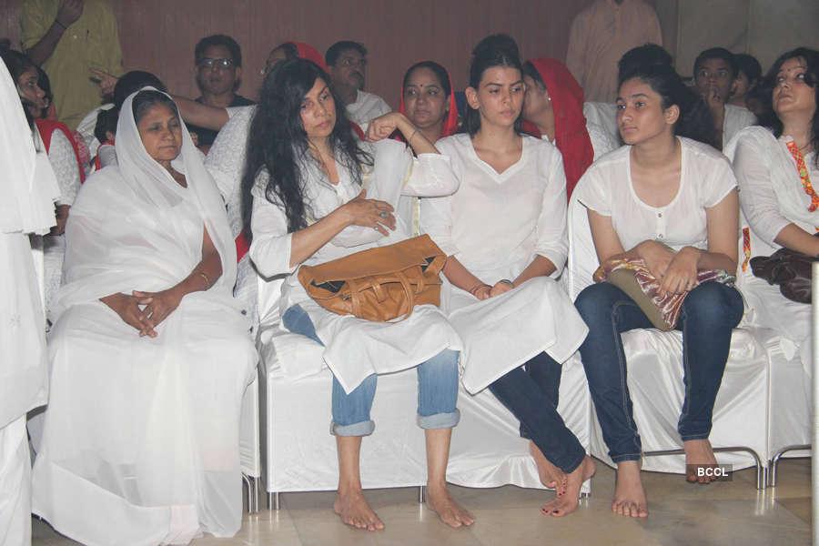 Celebs at Inder Kumar's prayer meet