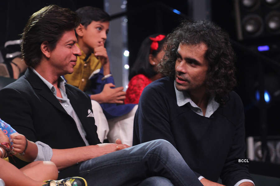 Shah Rukh Khan and Imtiaz Ali in a discussion