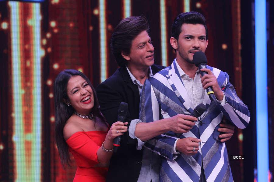 Neha Kakkar, Shah Rukh Khan and Aditya Narayan