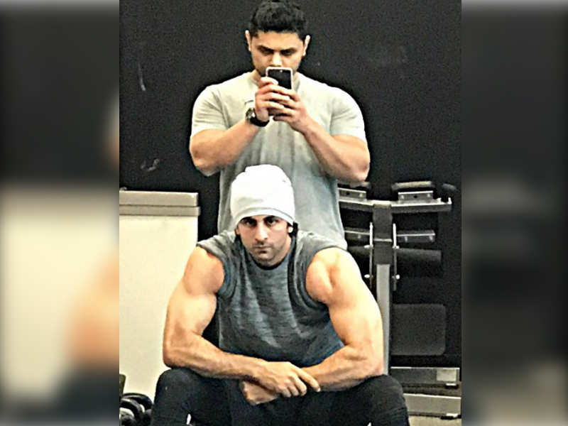 Pic ranbir kapoors buff transformation for sanjay dutt biopic will pic ranbir kapoors buff transformation for sanjay dutt biopic will surprise you thecheapjerseys Images
