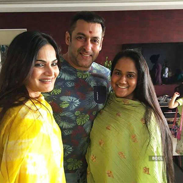 Bhai Dooj Special: Candid pictures of Bollywood celebrities with their siblings