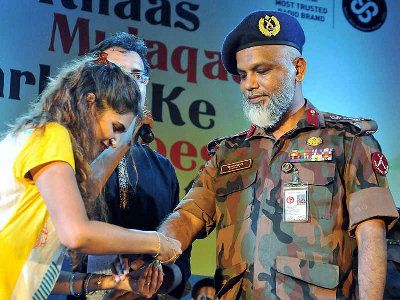 PM Modi celebrates Raksha Bandhan