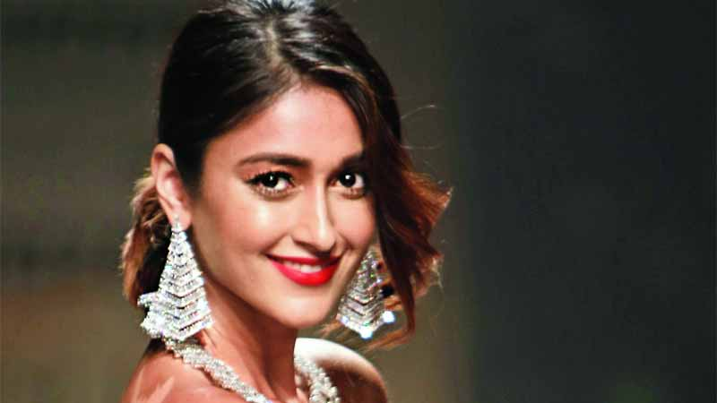 Ileana D'Cruz spotted on a dinner date with her girl gang