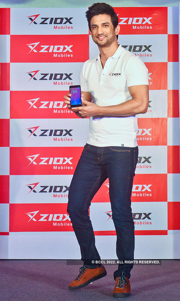 Sushant launches Ziox Mobiles