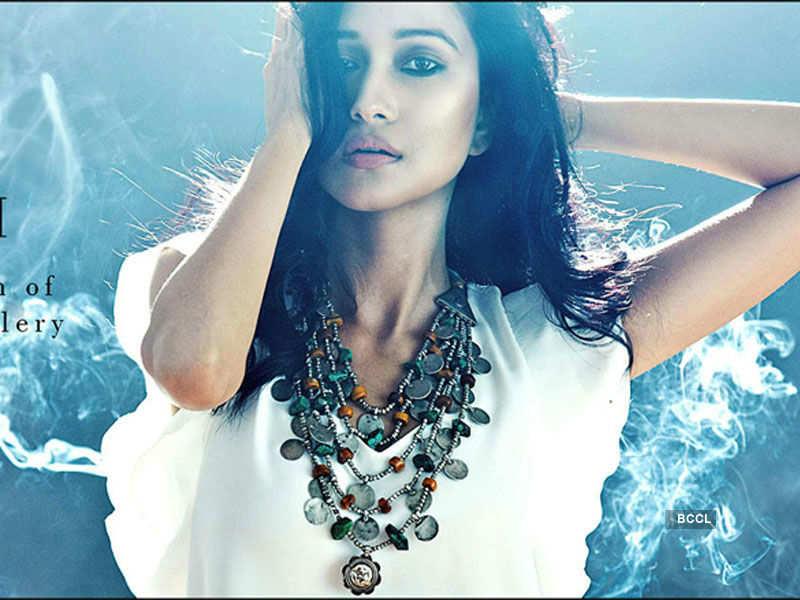 Aradhana Buragohain endorses Amrapali Jewels