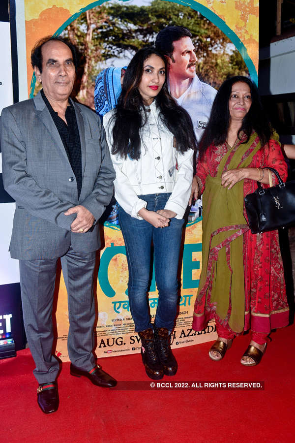 Prernaa Arora with her father Virendra Arora and mother