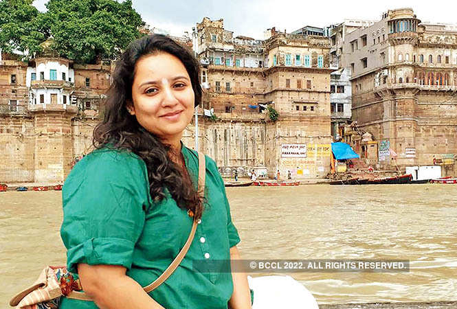 Pushtiie at the ghat in Varanasi (BCCL)