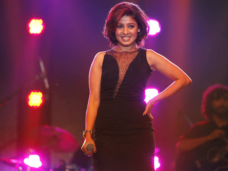 Sunidhi chauhan images 11