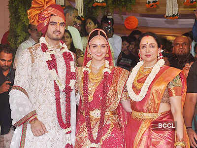First look: Esha Deol and husband Bharat Takhtani pose with their newborn daughter