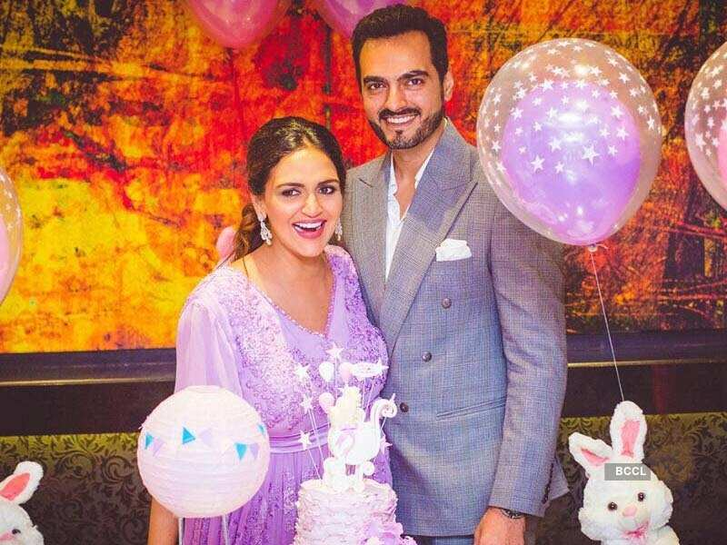 Former Roadies Judge Esha Deol Looks Adorable At Her Baby Shower