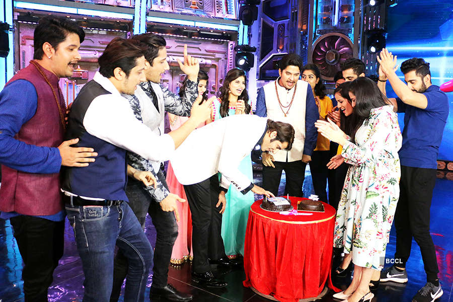 Karanvir Bohra celebrates his birthday on the sets of India's Best Judwaa