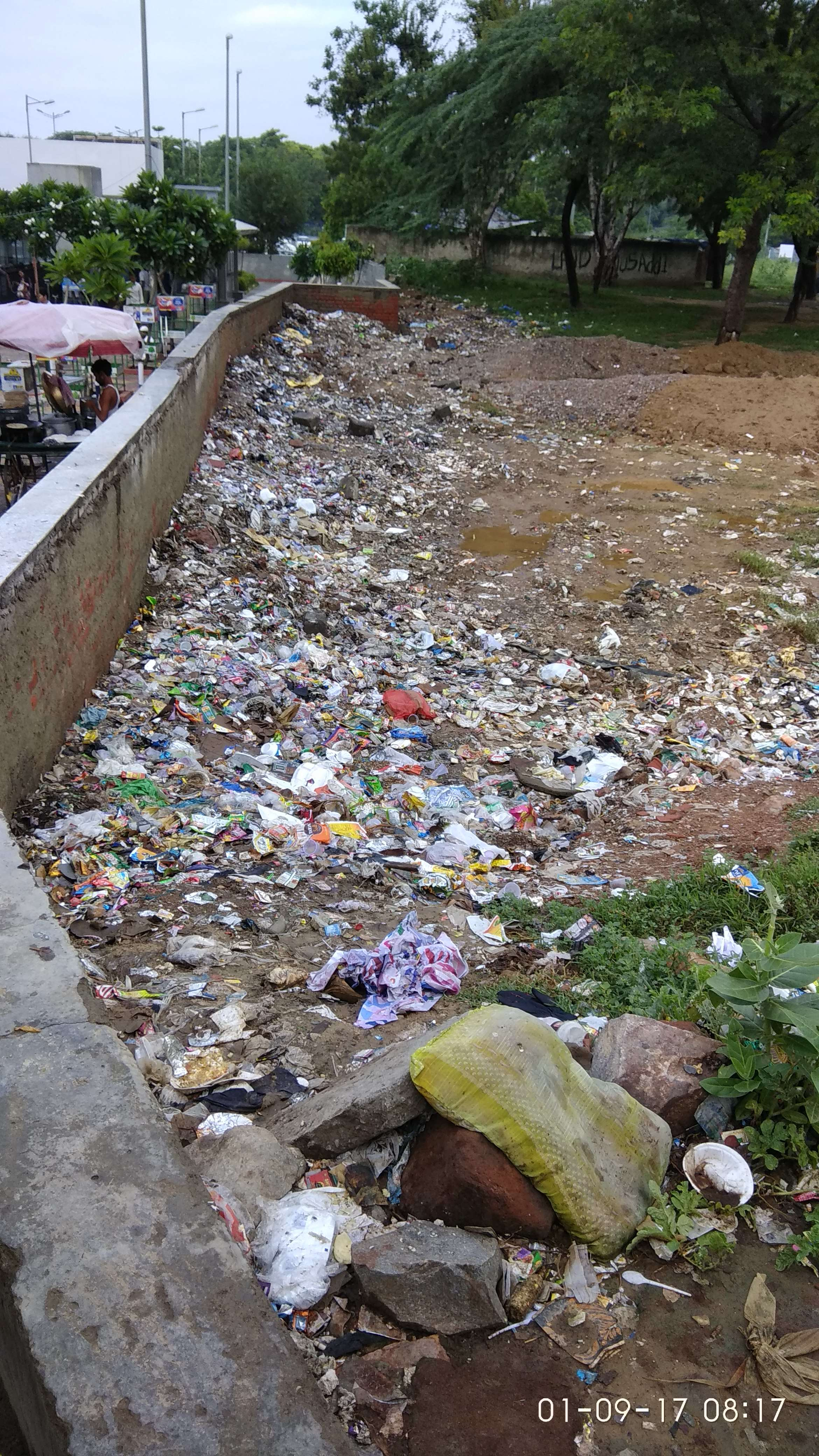 thane mulund dumping ground breeds diseases The garbage dumping ground at the border of thane -mulund the dumping ground also breeds bandicoots/rats that dig control the spread of diseases and spray.