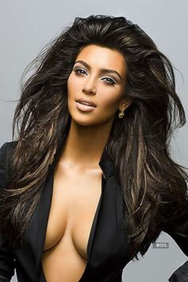 Kim Kardashian turns up the heat on the beaches of Turks and Caicos Islands