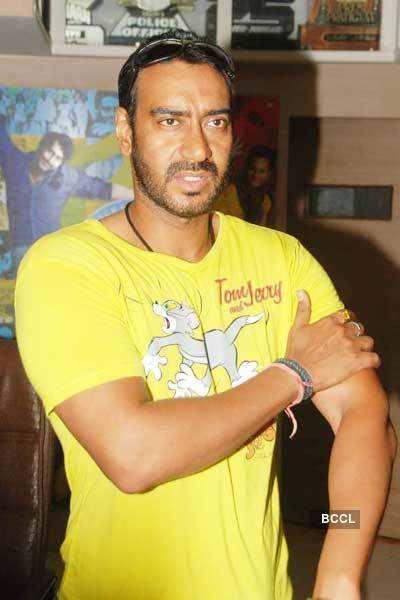 Ajay meets 'Raajneeti' contest winners