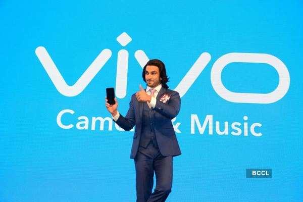 Ranveer launches Vivo V7+