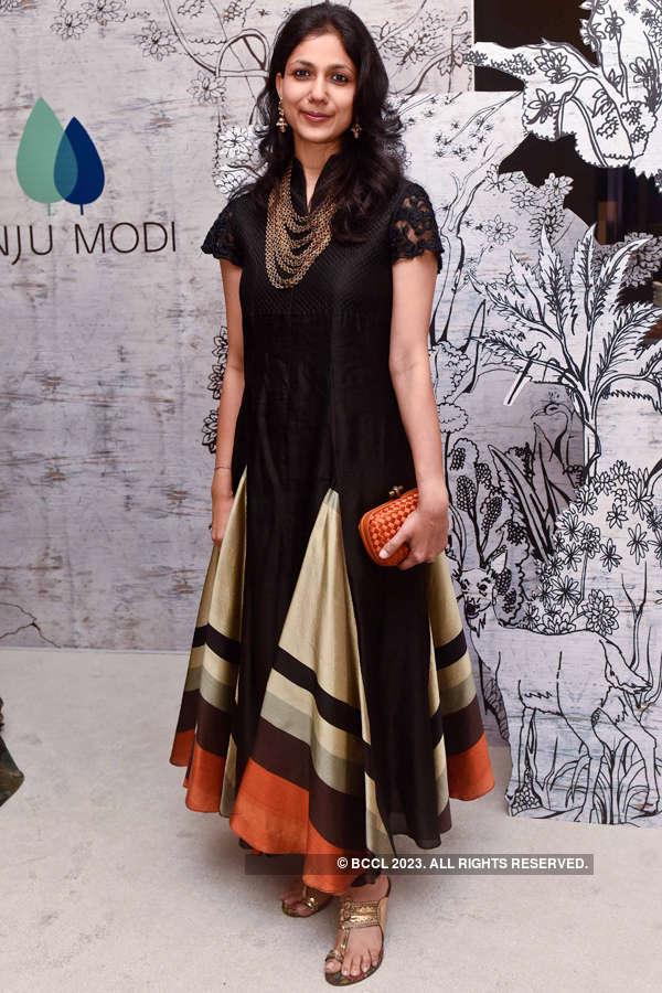 Models showcase Anju Modi's collection