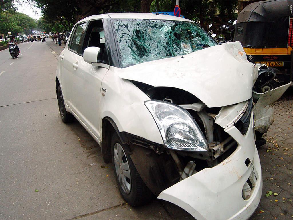 3 Bengaluru teens racing in dads' cars crash, boy dies