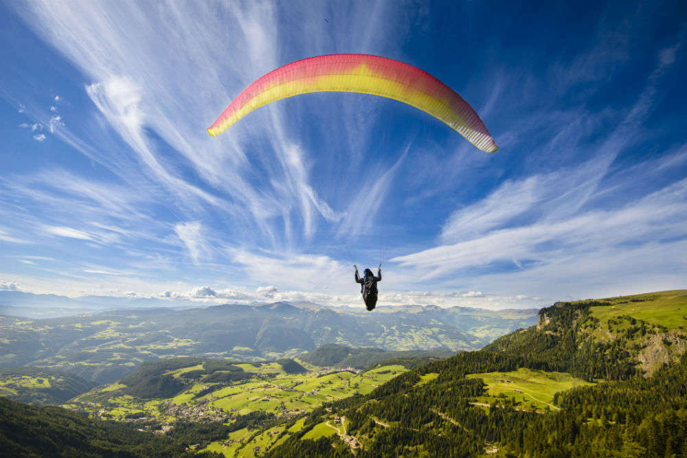 Paragliding in Manali: a delight for adventure seekers, Manali - Times of  India Travel