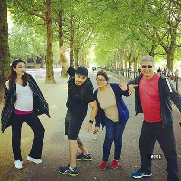 Soha Ali Khan's little daughter Inaaya's yoga pose will make you go 'aww'!