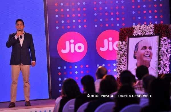 Akash Ambani launches IPhone 8 and 8 Plus