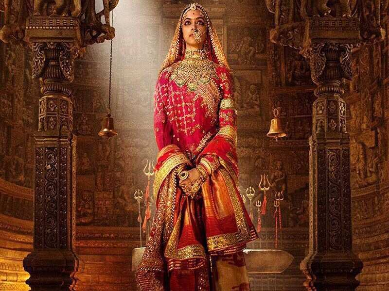 Image result for traditional jewellery and dress of deepika from padmavati