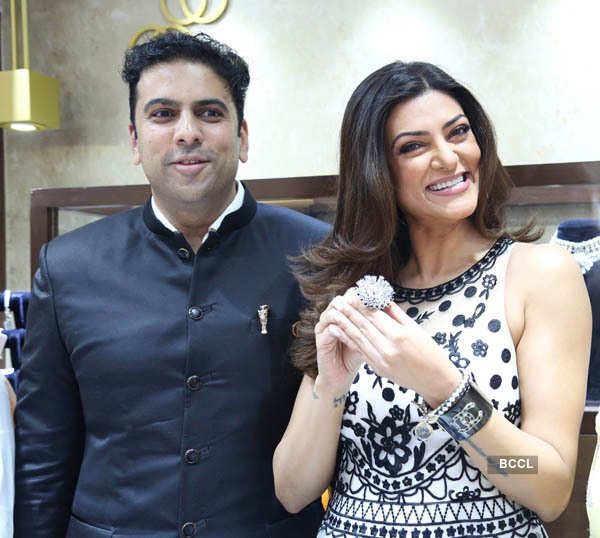 Sushamita Sen launches PNG Jewellers store
