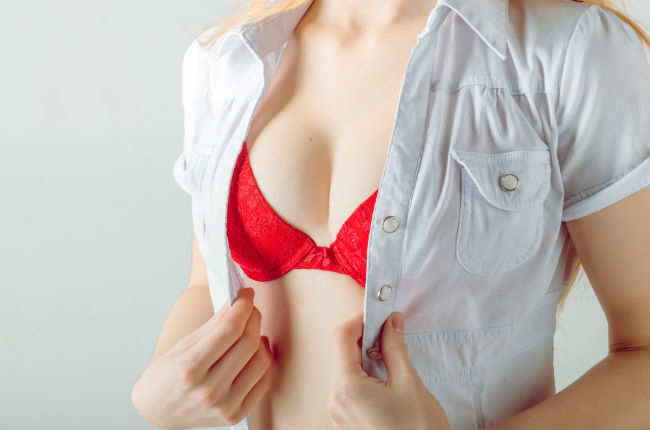 8eba3515bd5f3 This is why you should wear a red bra under white shirts - Times of ...
