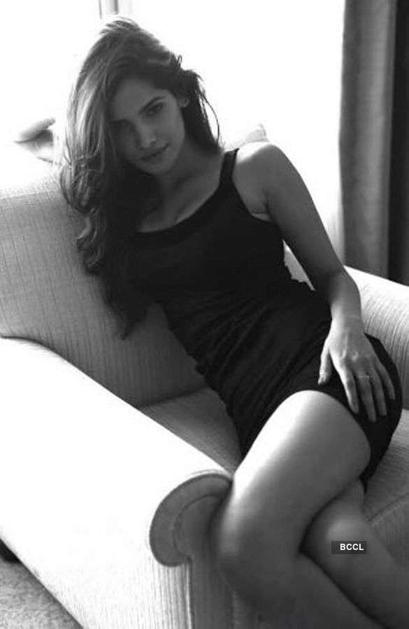 Vartika Singh's intruiging portrait photo shoot