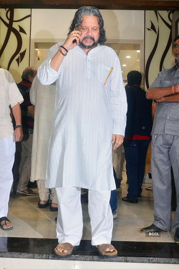 Celebs attend Kundan Shah's prayer meet