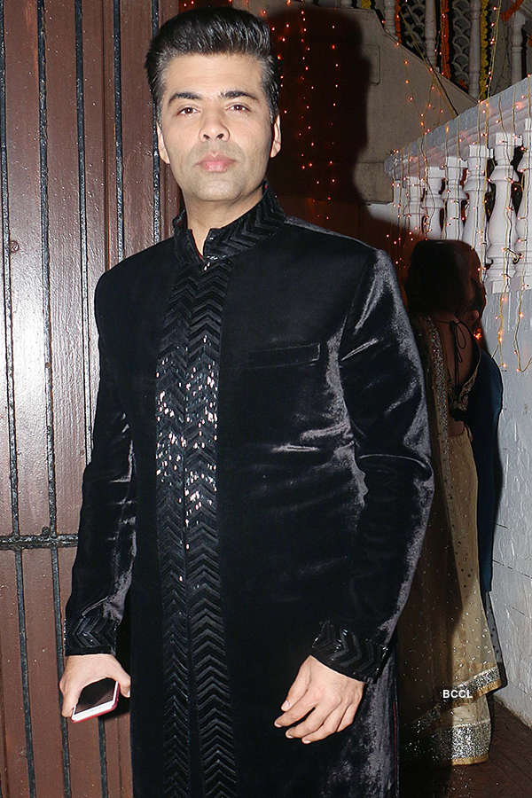 B'wood celebs attend Pammi Bakshi's Diwali party