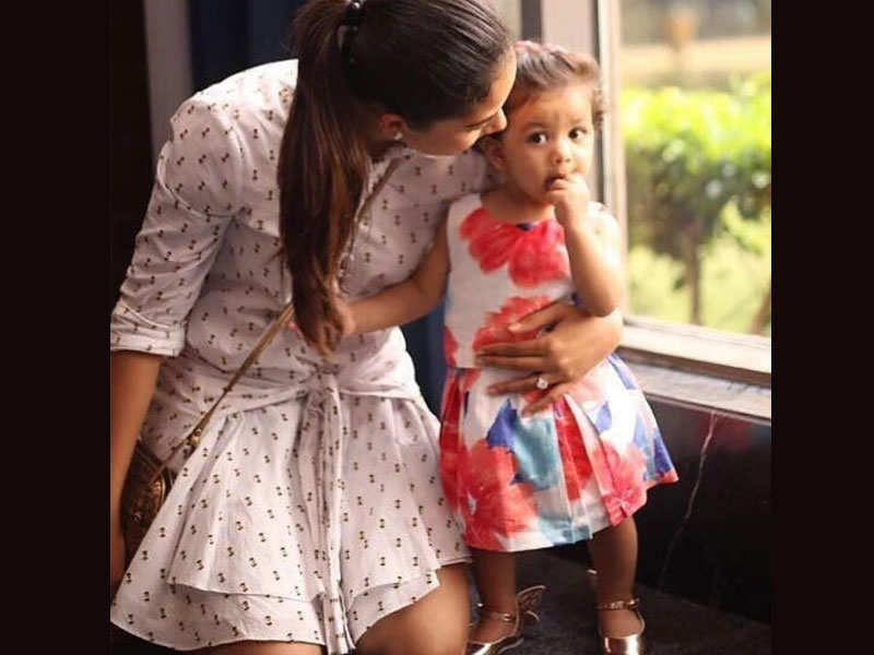 Mira Rajput and daughter Misha Kapoor clicked in a beautiful embrace