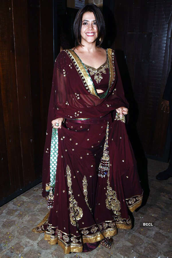 Bollywood stars shine at Anil Kapoor's Diwali party