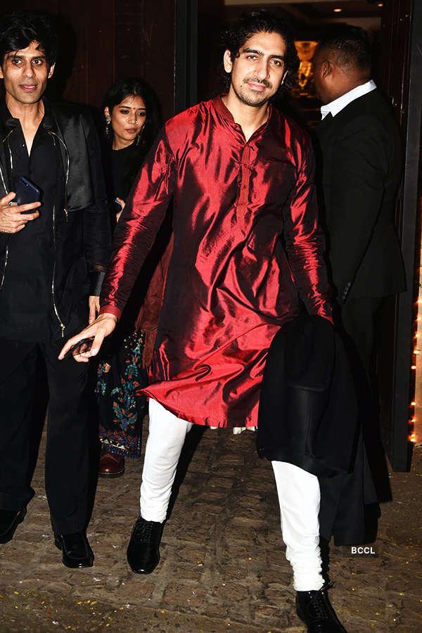 Bollywood stars shine at Anil Kapoor's Diwali party
