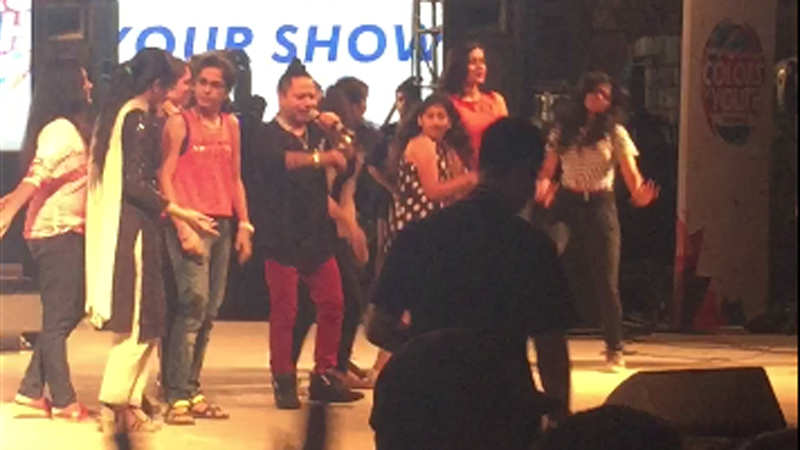Deewanis at IIT-D dance with Kailasa