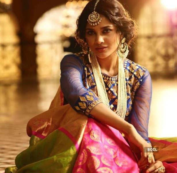 Sushrii Shreya Mishraa's enchanting Diwali campaign shoot