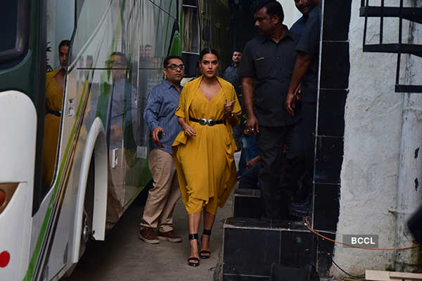 Bhumi Pednekar's boyfriend should be 'patient in bed', says Ayushmann Khurrana