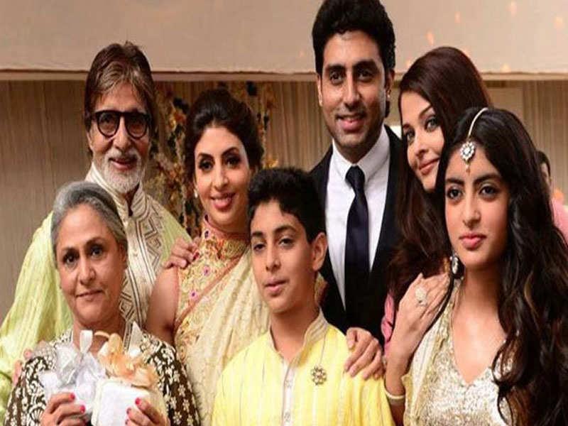 Aishwarya Rai Photos: Aishwarya Rai Bachchan's candid family pictures