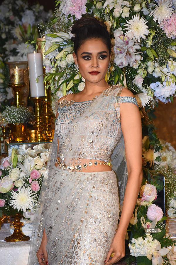Tarun Tahiliani's show at Taj Wedding Studio