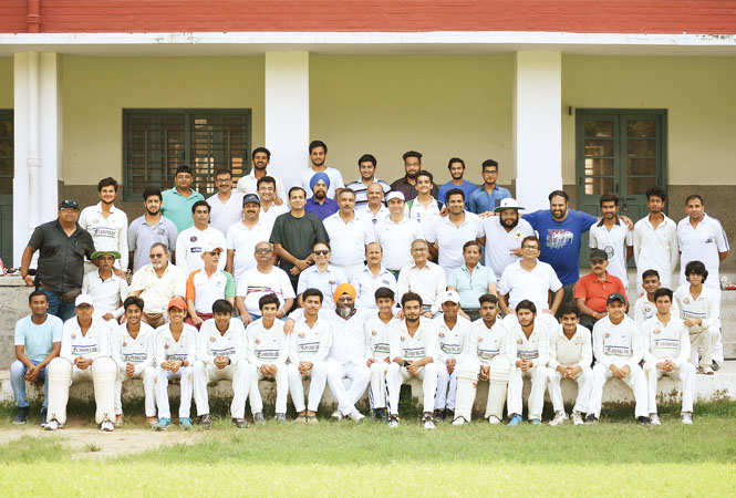 The past and the present students posed for us (BCCL/ Farhan Ahmad Siddiqui)