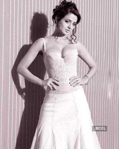 Ameesha's sexy photoshoot