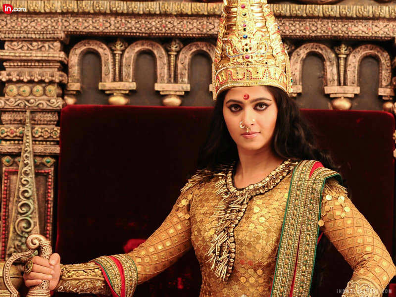 Hot Photo And Sexy Images Anushka Shetty In A Still From Rudhramadevi
