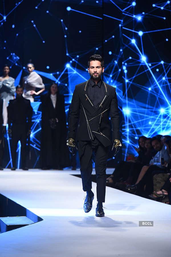 GQ Fashion Nights 2017: Gaurav Gupta