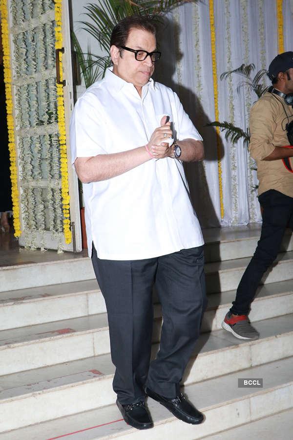 Bollywood celebs attend filmmaker Mohan Kumar's prayer meet