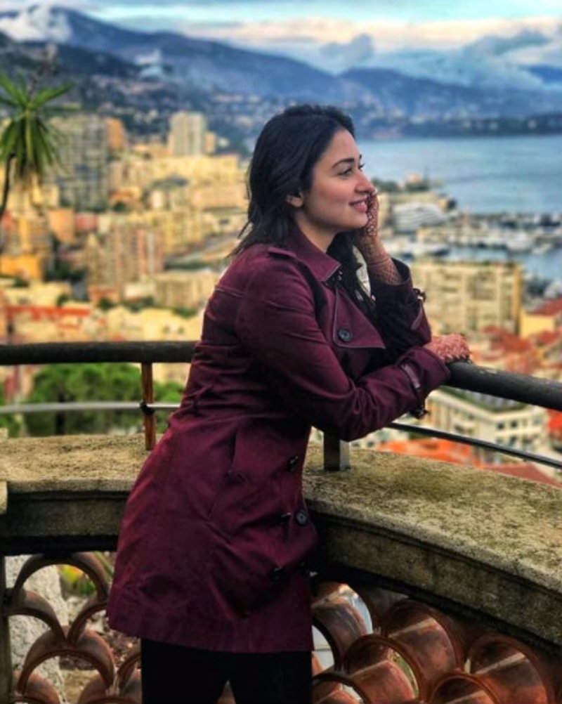 Tamannaah Bhatia Sexy Pics and Images: In France, shooting for Queen Once Again