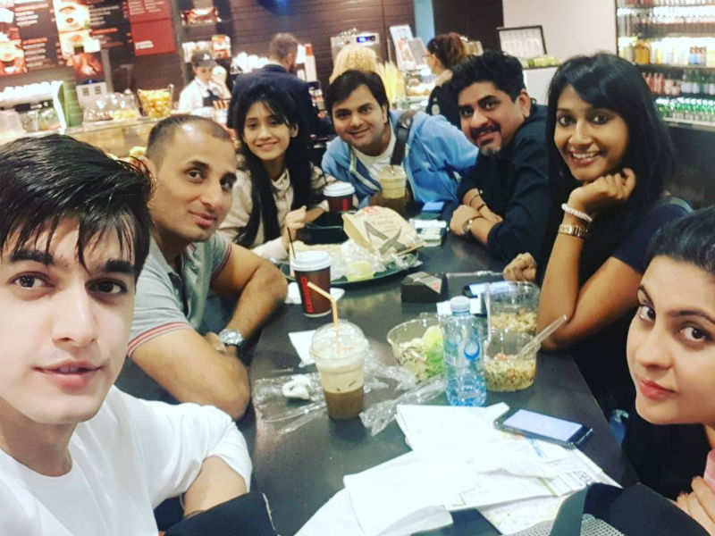 Shivangi and Mohsin get clicked with the YRKKH gang