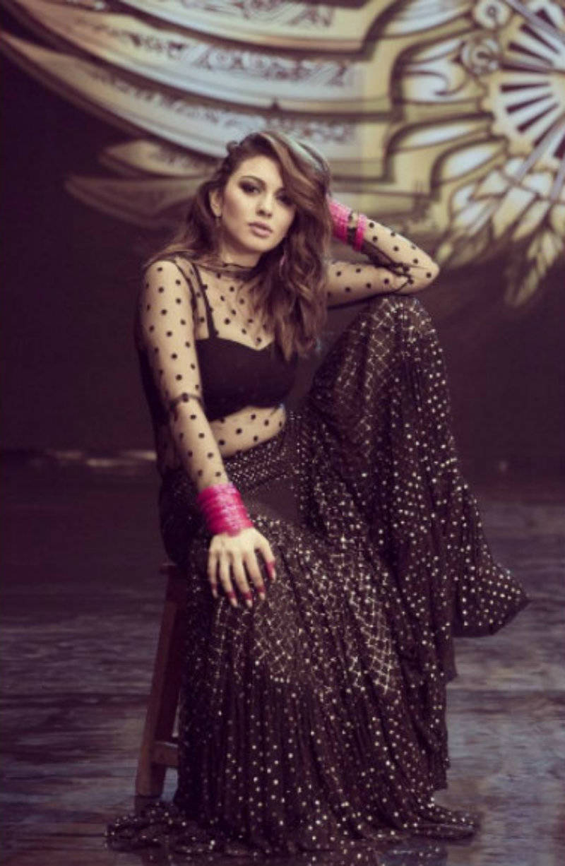 ​Hansika Motwani Hot Images in black dress during a photo shoot xxx