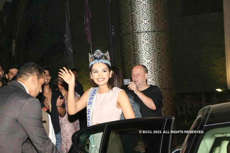 Miss World 2017 Manushi Chhillar receives a grand welcome at Mumbai airport