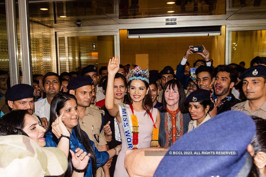Miss World 2017 Manushi Chhillar returns to hero's welcome at Mumbai airport