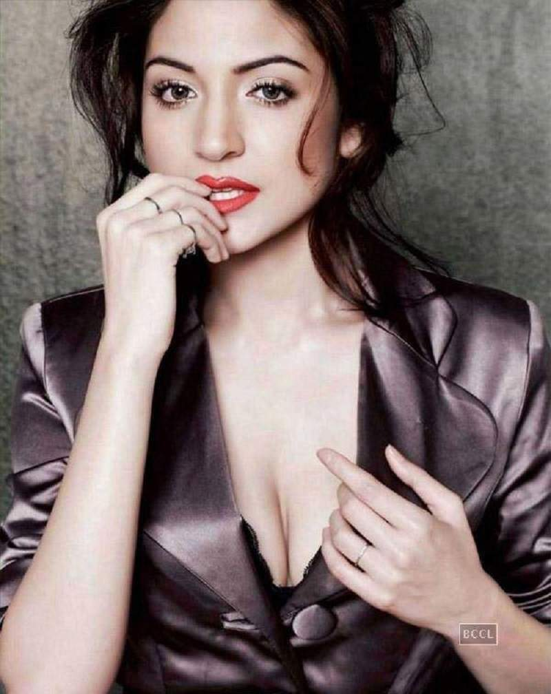 Anushka Sharma Sexy Images: Hot HD HQ Pics xxx